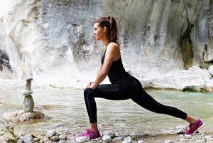 anorexia nerviosa, chica haciendo ejercicio